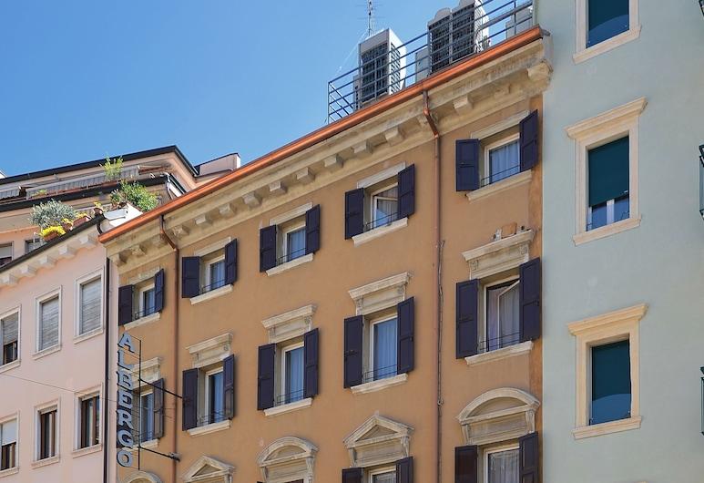 Hotel Siena, Verona, Bagian Depan Hotel