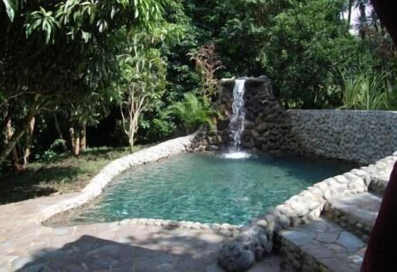 Hotel Mystica, Angeles, Vízeséses medence