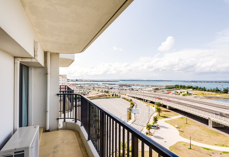 那霸海灘邊酒店, 那霸, 三人房, 3 張單人床, 海景, 露台