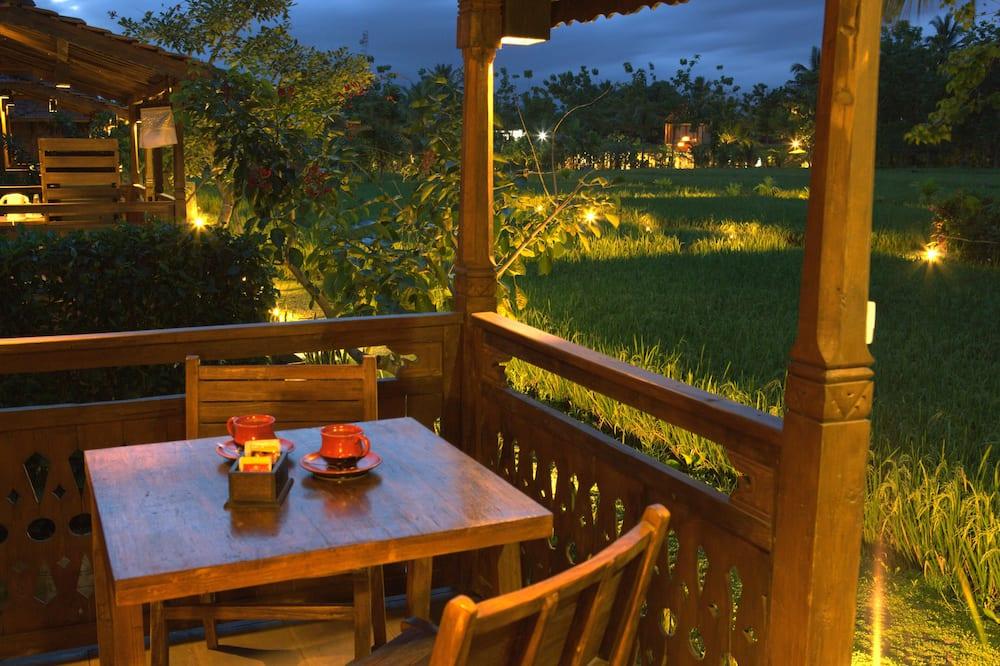 Villa (Bale) - Uitzicht vanaf balkon