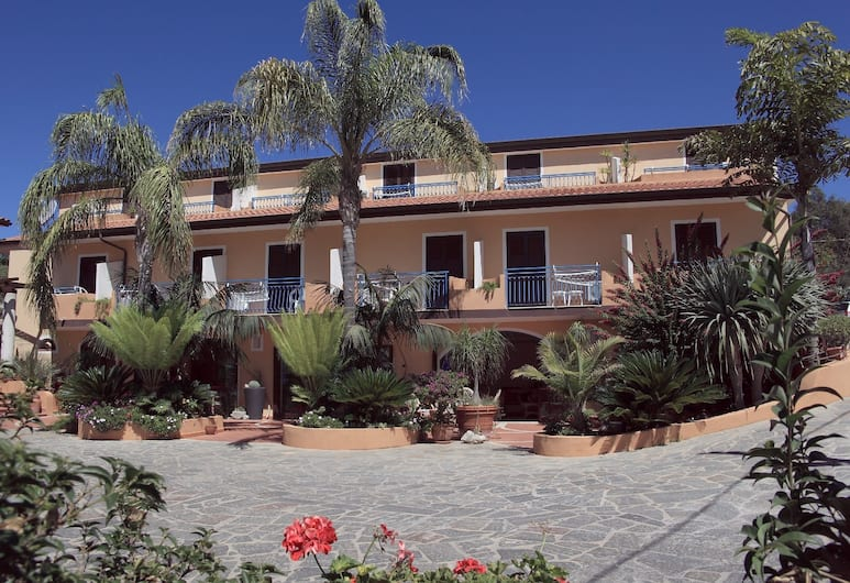 Hotel Grotticelle, Ricadi
