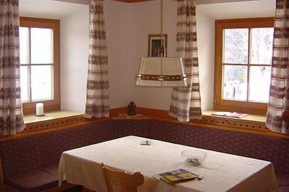 Standard-huoneisto (Alpe di Siusi) - Ruokailu omassa huoneessa