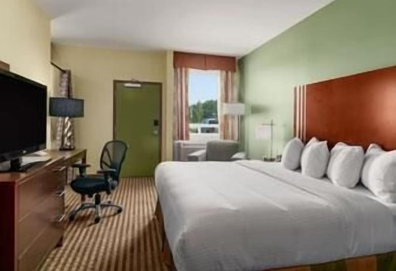 Ramada by Wyndham Carlyle, Carlyle, Room, 1 Queen Bed, Accessible, Non Smoking, View from room