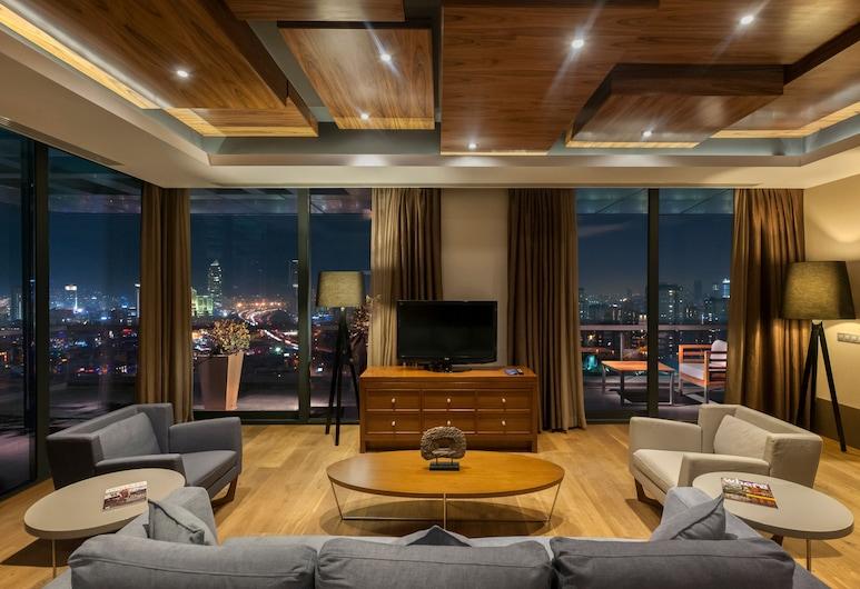 Radisson Blu Hotel Istanbul Asia, Estambul, Suite presidencial, terraza, vista a la ciudad, Sala de estar