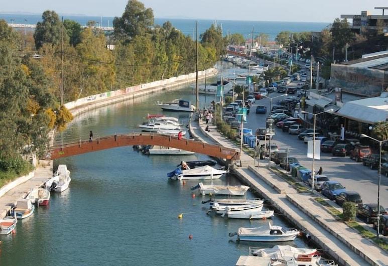Carol, Piraeus, Bãi biển