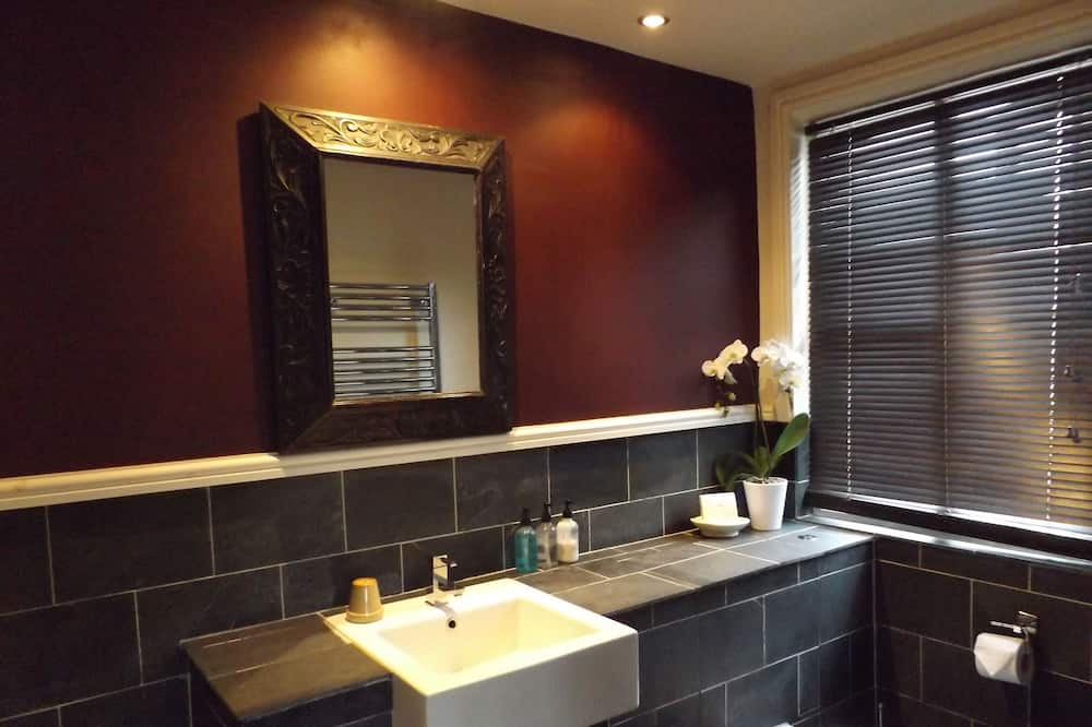 Standard Double Room, Ensuite (Room 4) - Bathroom