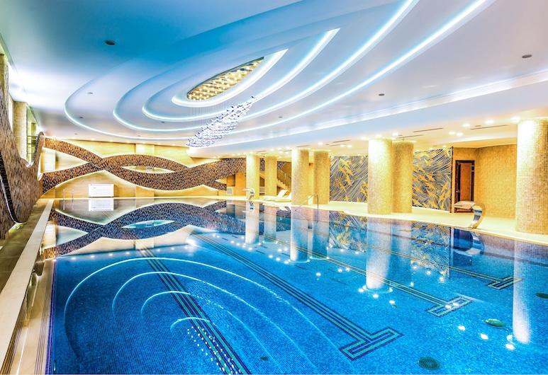 Jumbaktas Hotel, Nur-Sultan, Alberca