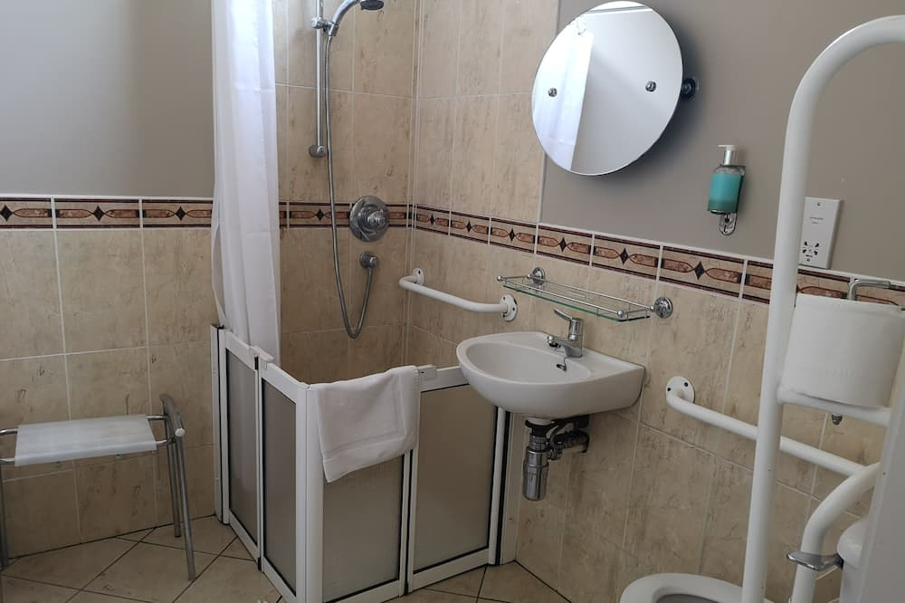 Double or Twin Room, Accessible, Ensuite (Accessible) - Bathroom