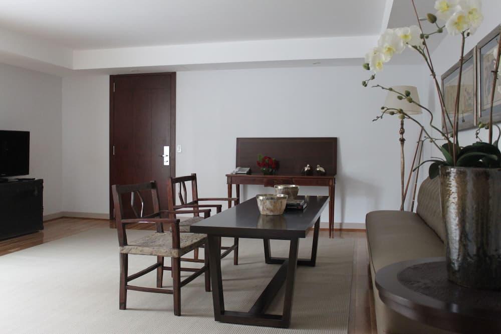 Suite Deluxe, 1 cama de matrimonio grande, terraza - Sala de estar
