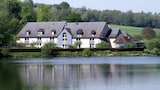 Book this Parking available Hotel in Pont-l'Eveque (Calvados)