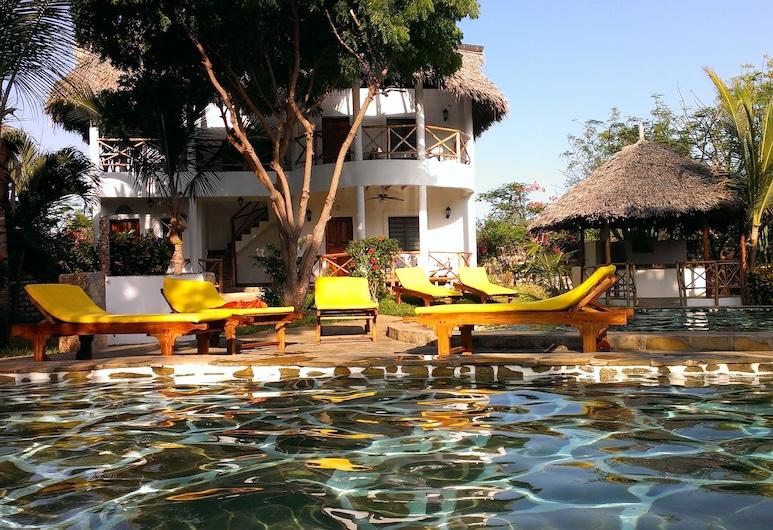 Marine Holiday House, Malindi, Exterior
