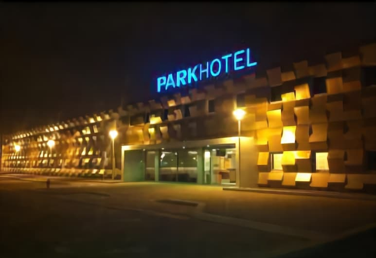 Park Hotel Porto Aeroporto, Maia, Hotel Front – Evening/Night