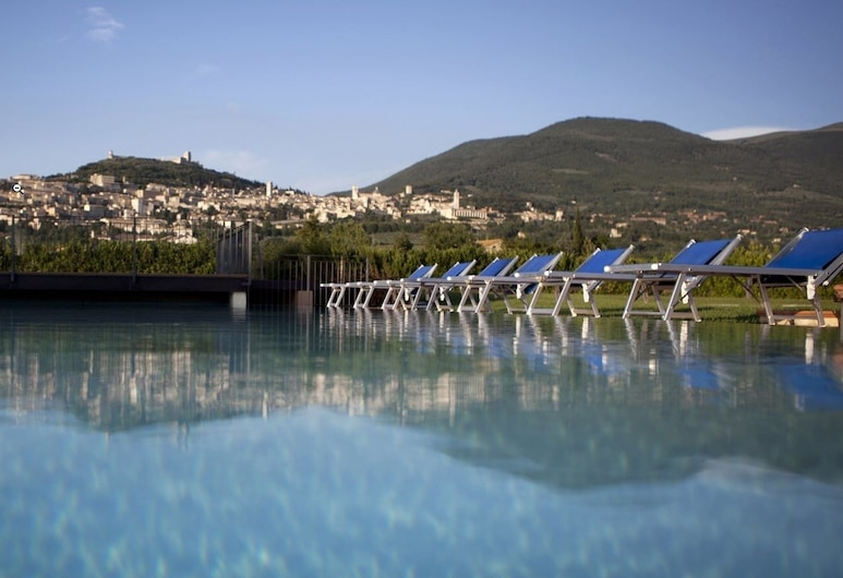 Hotel Bellavista, Assisi, Outdoor Pool