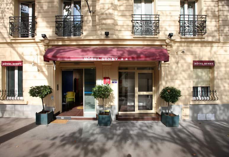 Hôtel Sunny, Paris, Hotellets front