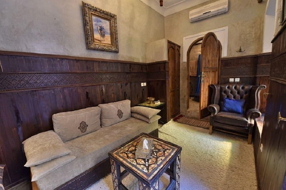 Comfort szoba kétszemélyes ággyal, privát fürdőszoba - Nappali rész