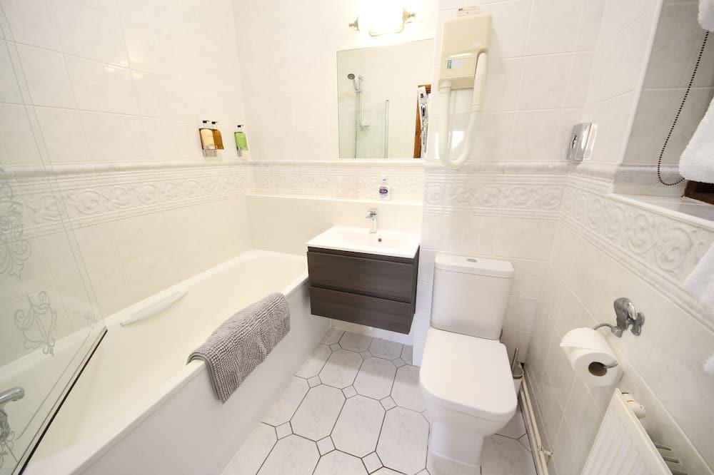 شقة - بحمام داخل الغرفة - بمنظر جزئي للبحر (Purbeck View) - حمّام