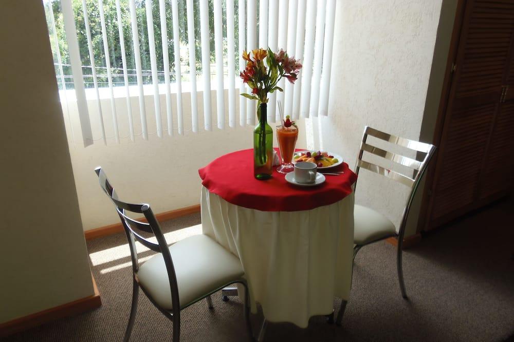 Habitacion Estandar Sencilla - Restauration dans la chambre