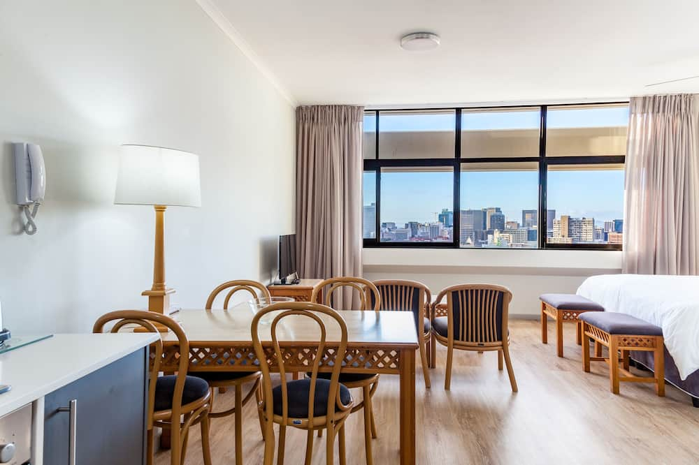 豪华公寓 - 客房送餐