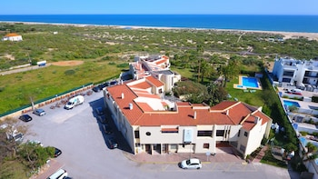 Picture of Praia da Lota Resort - Hotel in Vila Real Santo Antonio