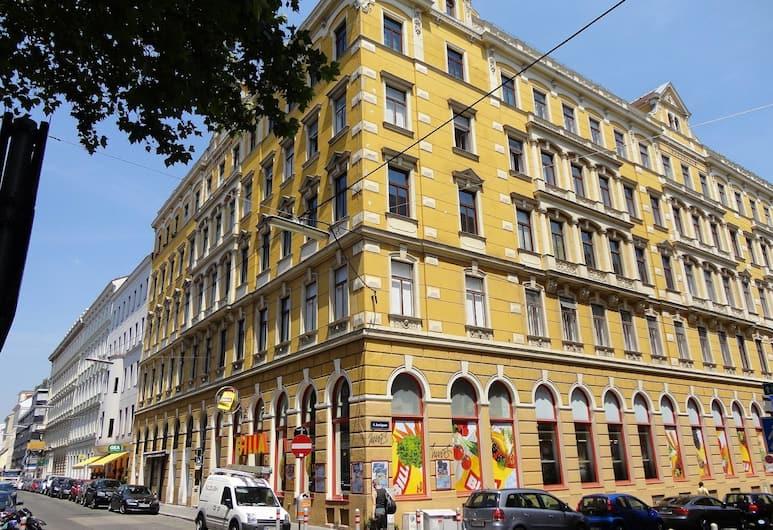 Pension Lehrerhaus, Viena, Išorė