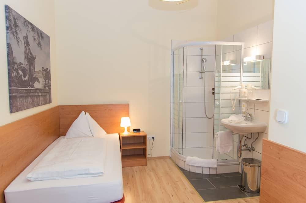 Standard egyágyas szoba, közös fürdőszoba - Nappali rész
