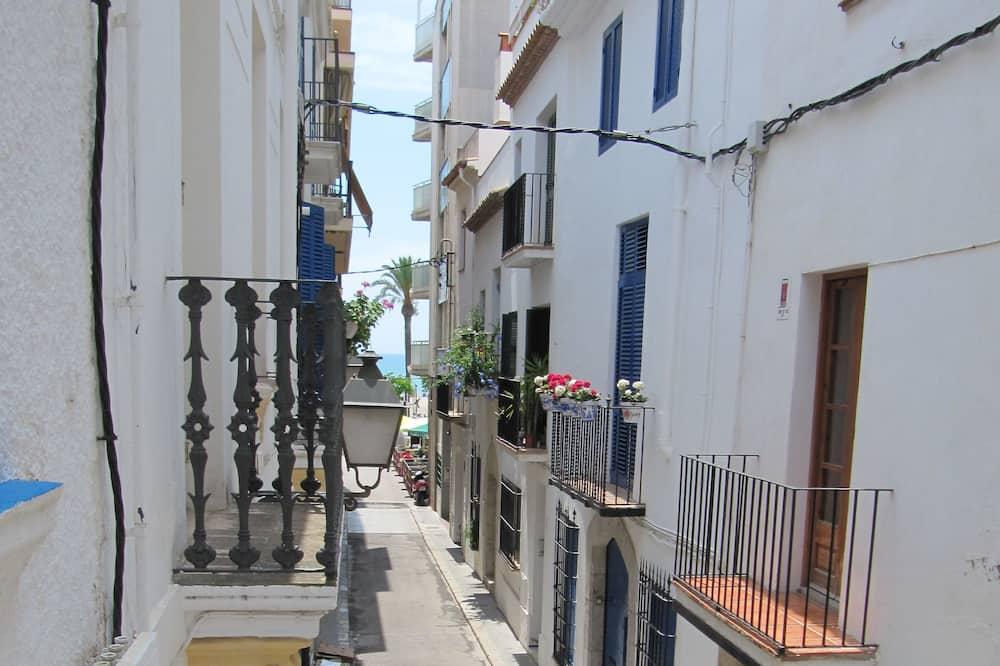 Twin Room, Balcony, Beach View - Street View
