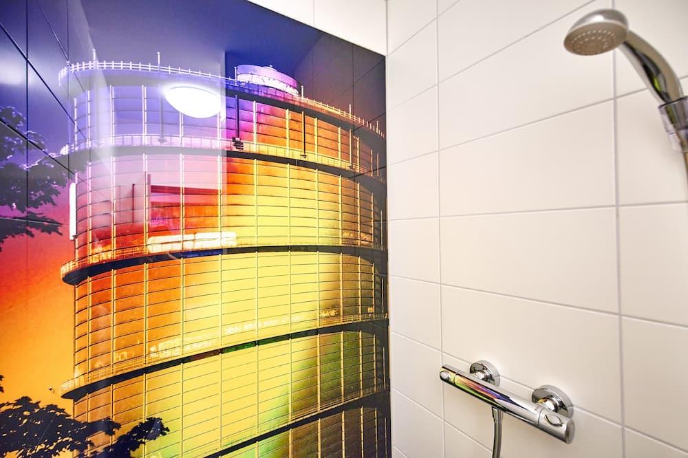 Kamar Double Basic, kamar mandi umum - Shower Kamar Mandi