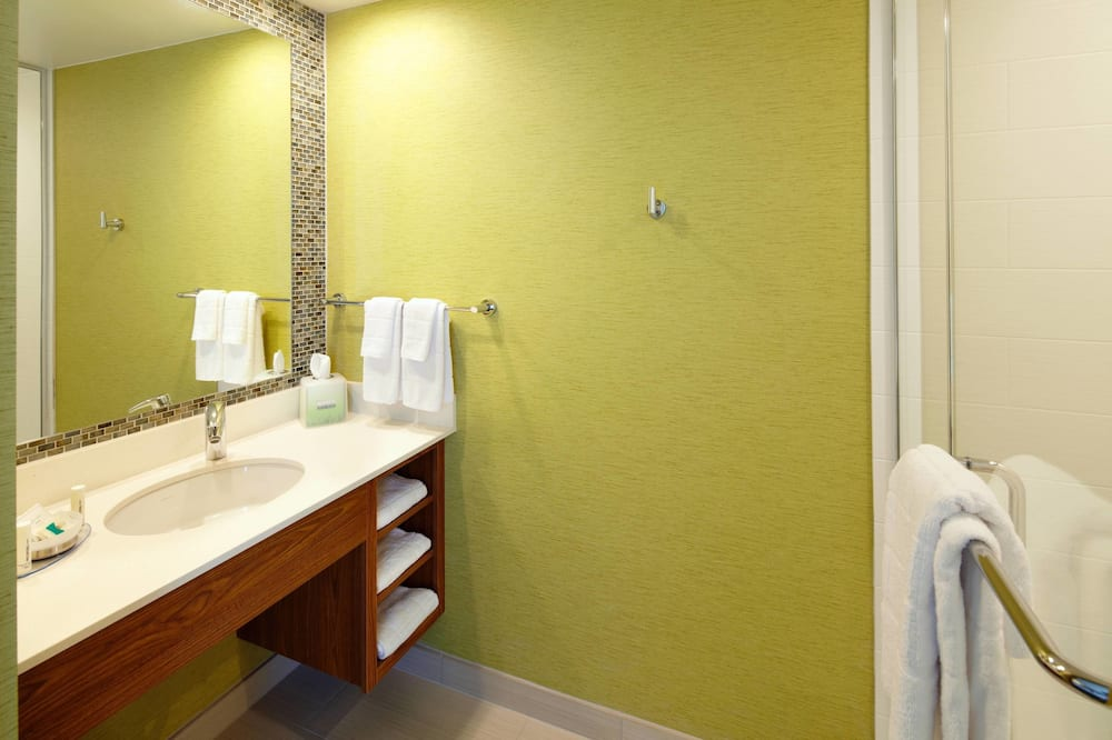 Studio, 1 King Bed, Non Smoking - Bathroom