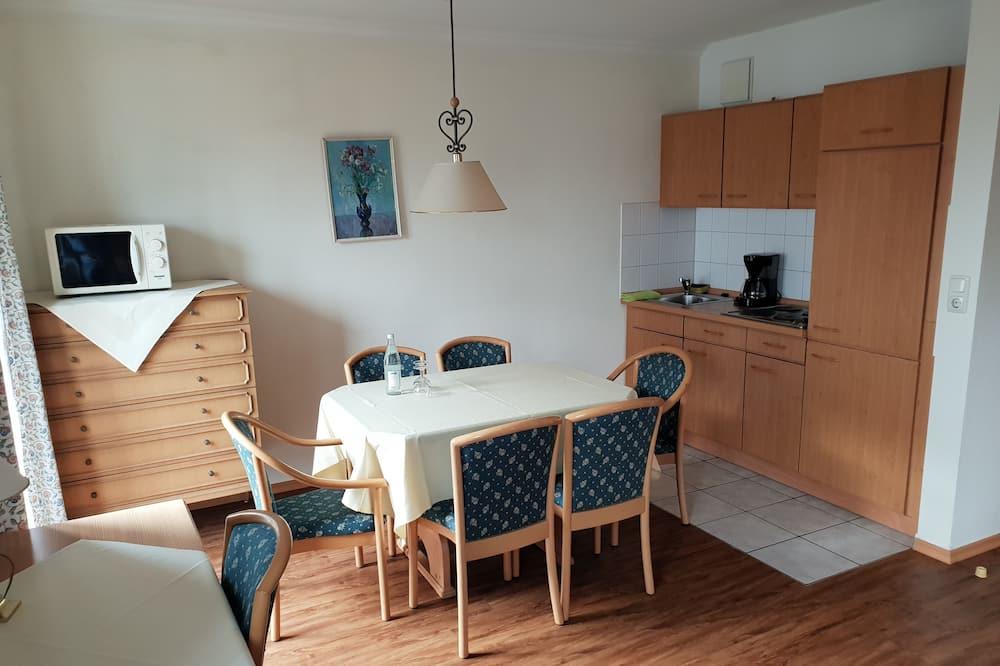 Apartamento familiar, 2 habitaciones, vistas al jardín (Excluded 30 EUR cleaning fee) - Comida en la habitación