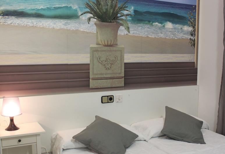 Hostal Comercial, Madrid, Habitación básica, baño privado, Habitación