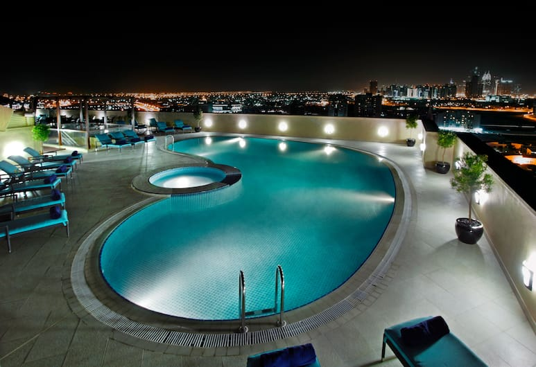 Elite Byblos Hotel, Дубай, Бассейн