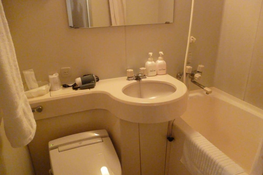 Одноместный номер, для курящих - Ванная комната