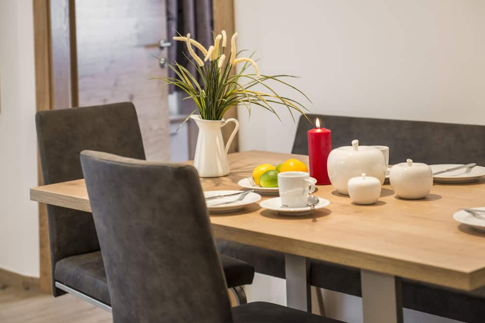 Edelweiss 3 and 4 - In-Room Dining