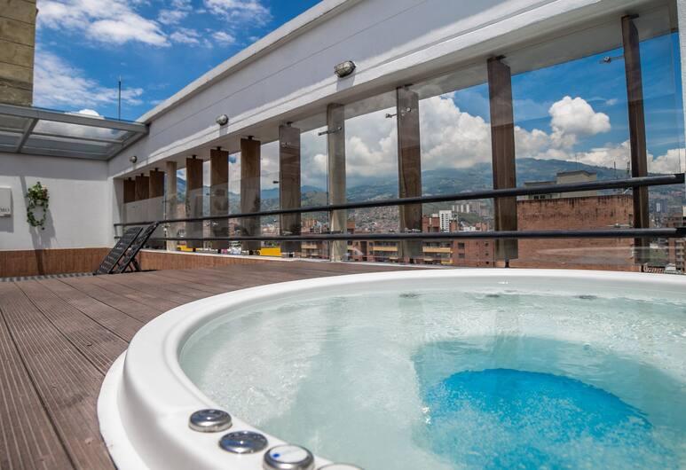 Hotel Golden Palermo, Medellin, Bubbelpool utomhus