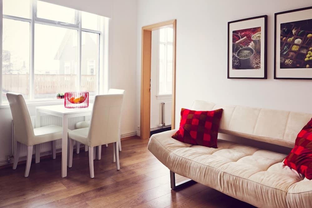 One Bedroom Apartment (3 adults) - Dzīvojamā istaba