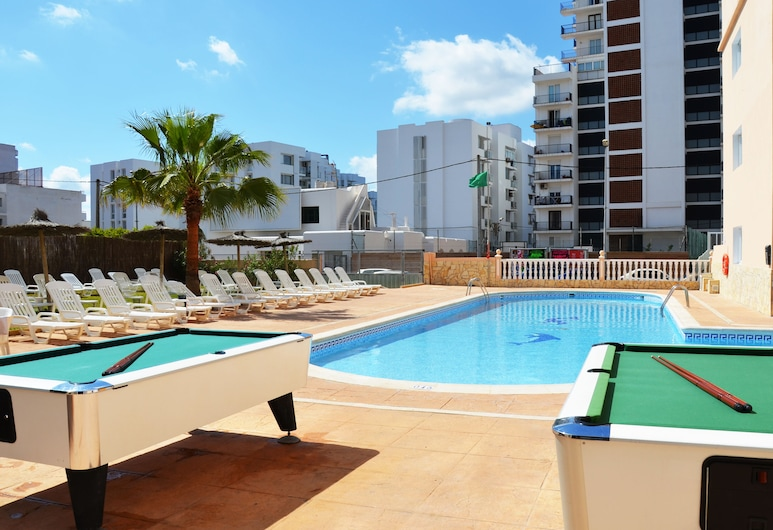 Hotel Apartamentos Central City - Adults Only, Sant Anotnio de Portmany, บิลเลียด