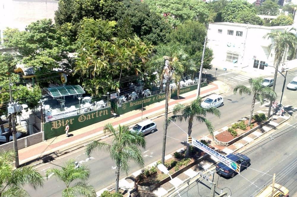 Standard kolmetuba - Vaade tänavale