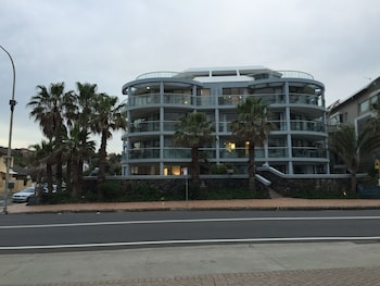 Picture of Manly Surfside Holiday Apartments in Manly