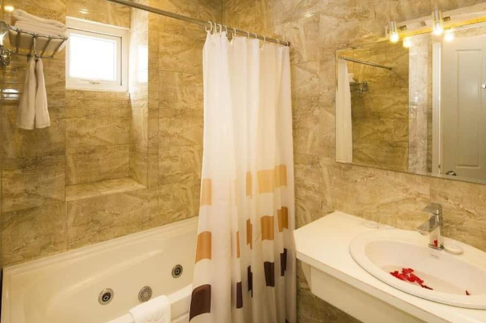 ห้องพรีเมียมดับเบิล (Ruby) - ห้องน้ำ