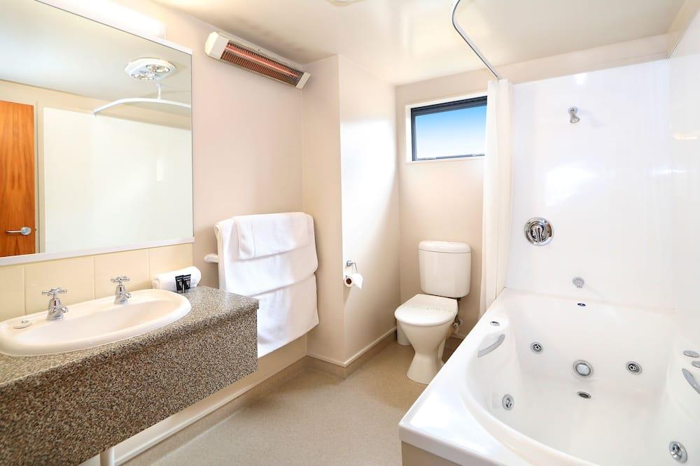 客房 (One Bedroom Unit) - 浴室