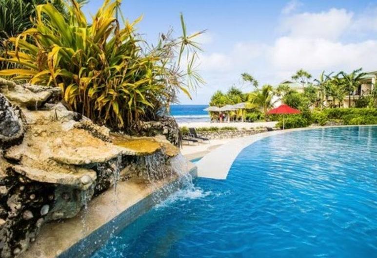 Nasama Resort, พอร์ตวิลา, สระว่ายน้ำ