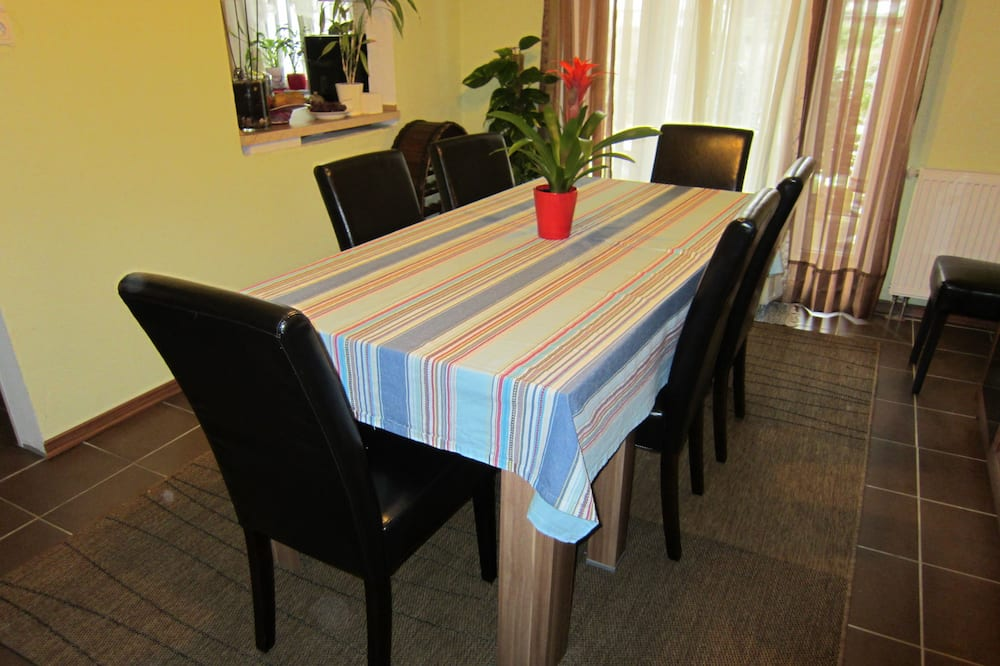 Standard Apartment (3 Persons) - In-Room Dining