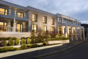 Picture of Esperos Palace Luxury & Spa Hotel in Seminyak