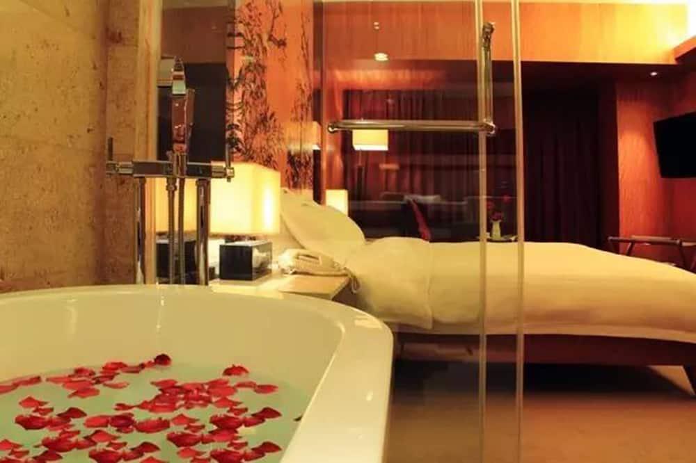 Numeris, 1 labai didelė dvigulė lova - Vonios kambarys