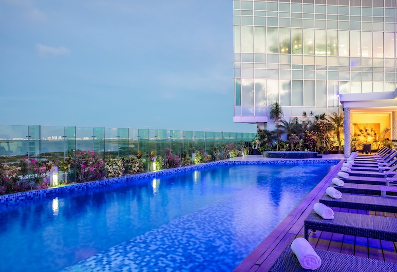 Fiesta Inn Cancun Las Americas, Cancun, Pool