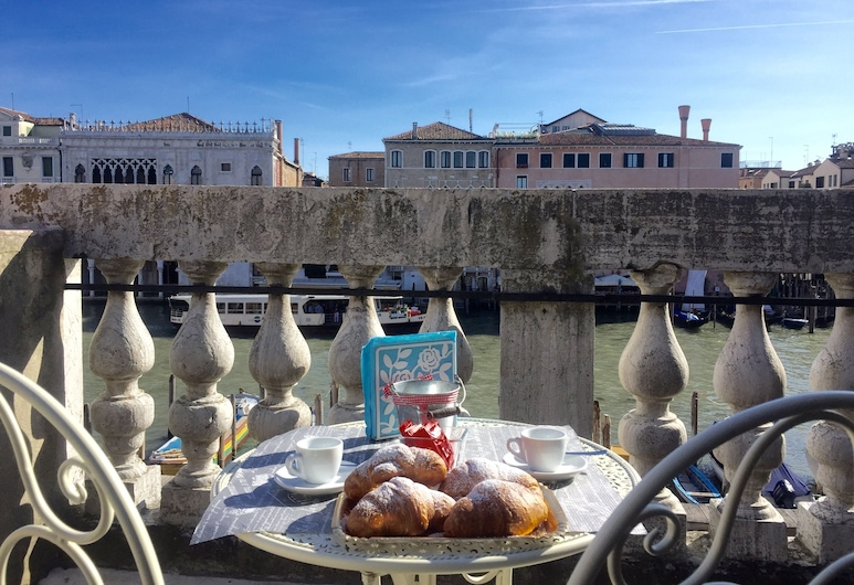 Residenza Rialto, Veneetsia, Romantic korter, vaade kanalile, asukoht tornis/tornmajas, Terrass