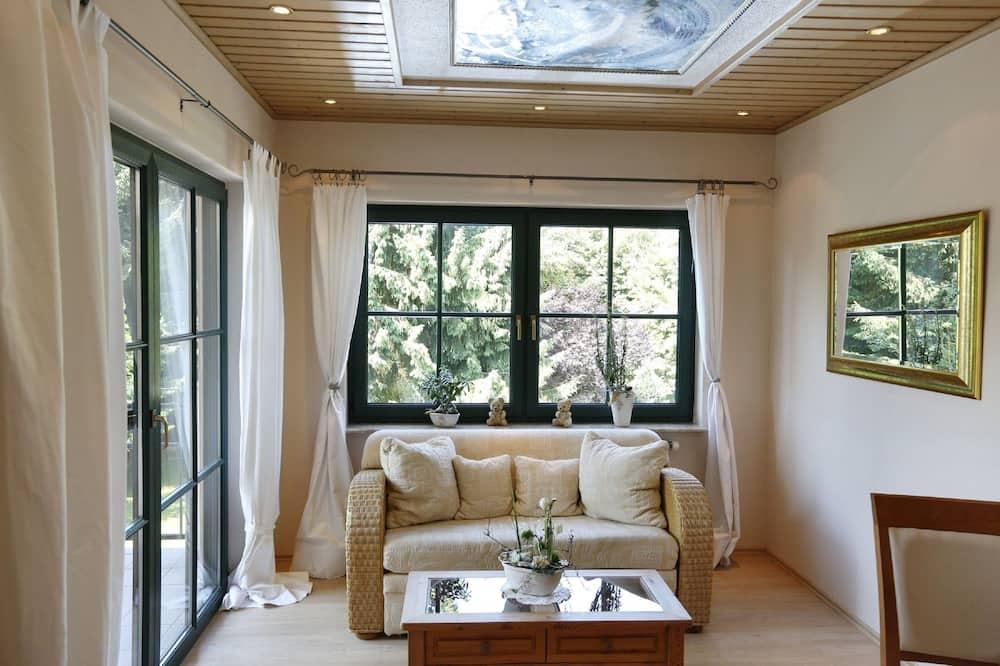 Junior-Suite, Balkon, Gartenblick - Wohnbereich