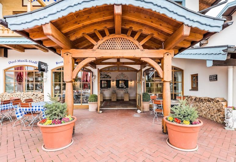 Das Bergmayr - Chiemgauer Alpenhotel, Inzell, Ingang van hotel