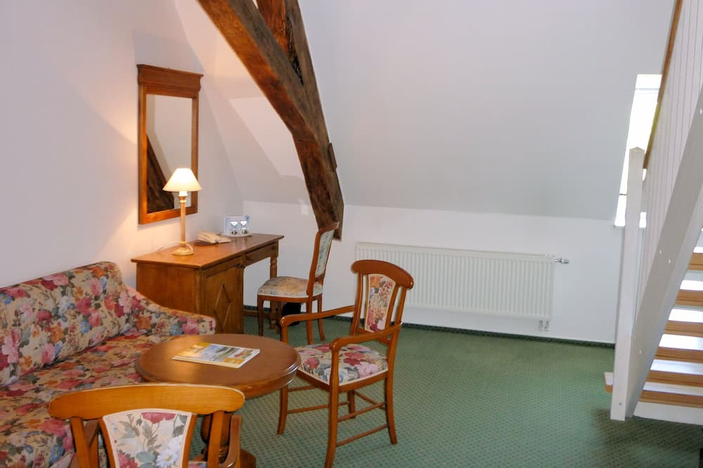 Maisonette Apartment (obere Etage über Treppe erreichbar) - Zona de estar