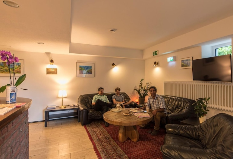Baccara, Aachen, Sala de estar